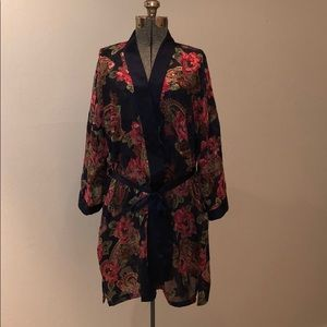 Victoria's Secret Lightweight Navy Floral Robe